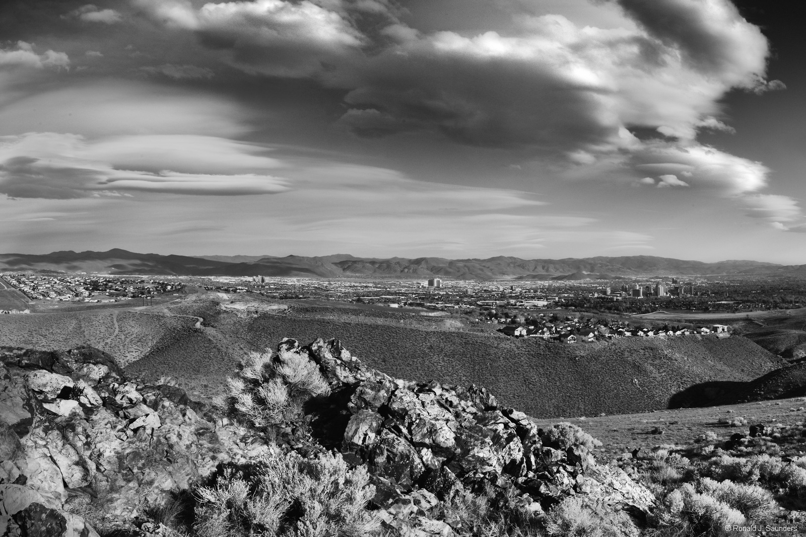 ron, saunders, ronald, ronald j saunders, landscape, photography, nevada, california, image, black, white, exhibition, Reno, Nevada, desert, photography, photo