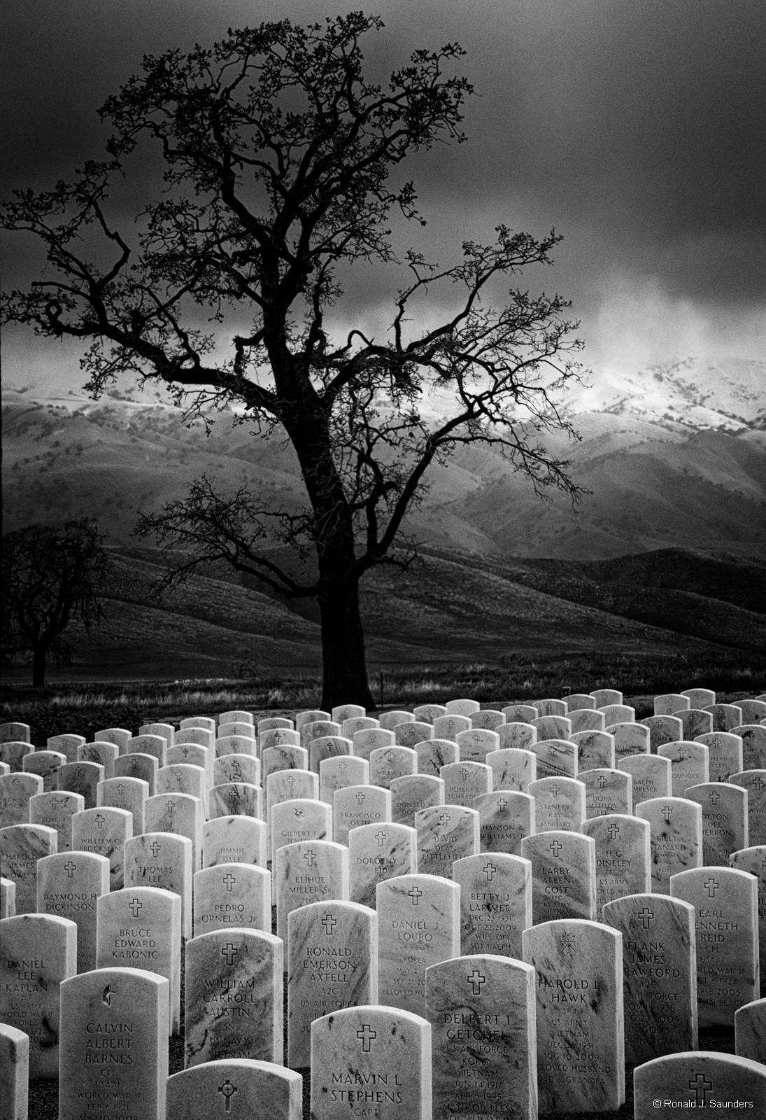mountains, Bakersfield, cemetery, national, ronald, saunders, ron, black, white, exhibited, photo