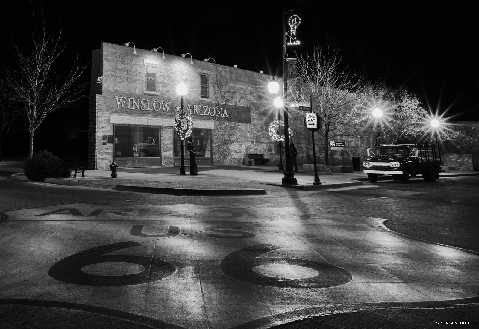 Winslow, Arizona, standing on the corner, eagles, route 66, ron, saunders, ronald, ronald j saunders, landscape, photography, ronaldsaunders, ronaldsaunders.com, photo