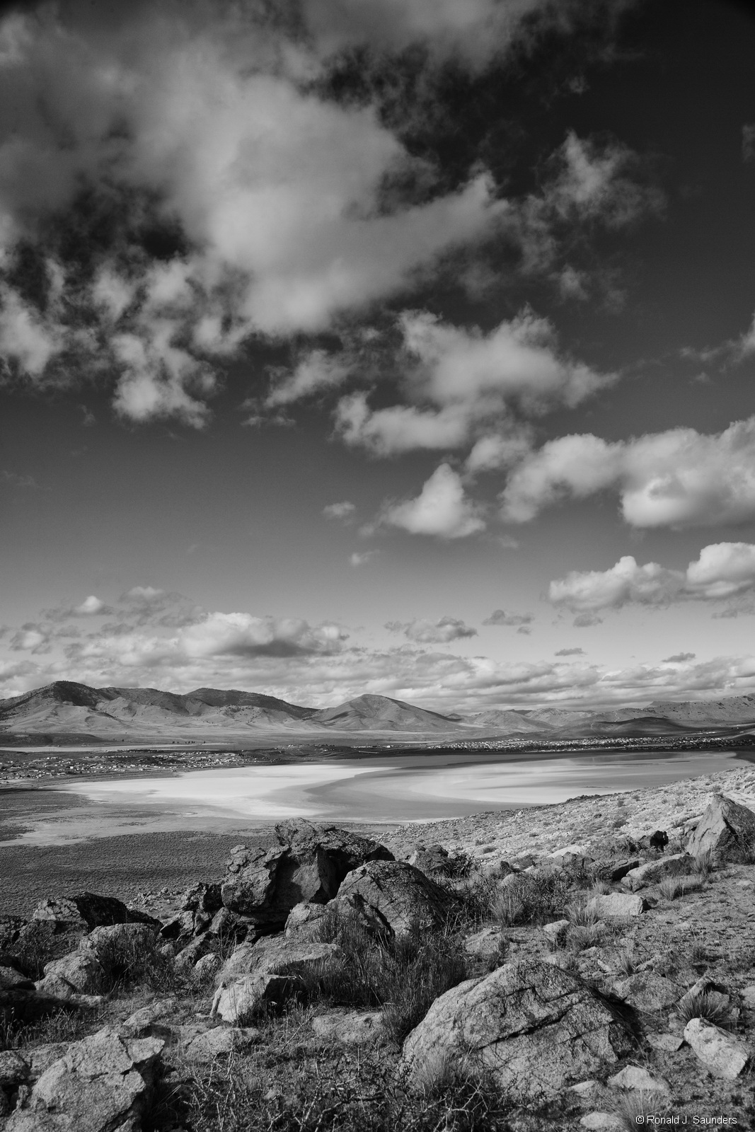 ron, saunders, ronald, ronald j saunders, landscape, photography, nevada, california, image, black, white, exhibition, desert, black rock, mountain, photography, photo
