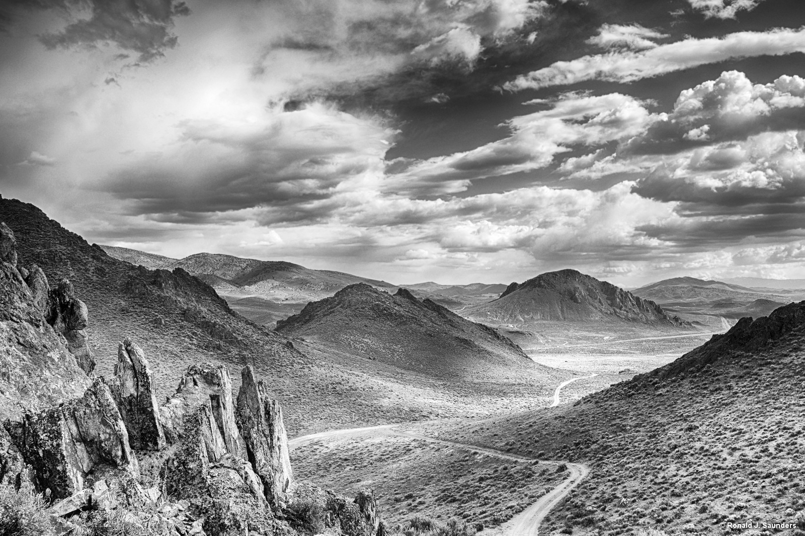 painted, hills, nevada, black, white, ron, ronald, saunders, view, landscape, fine art, keeble, shuchat,exhibition, photo