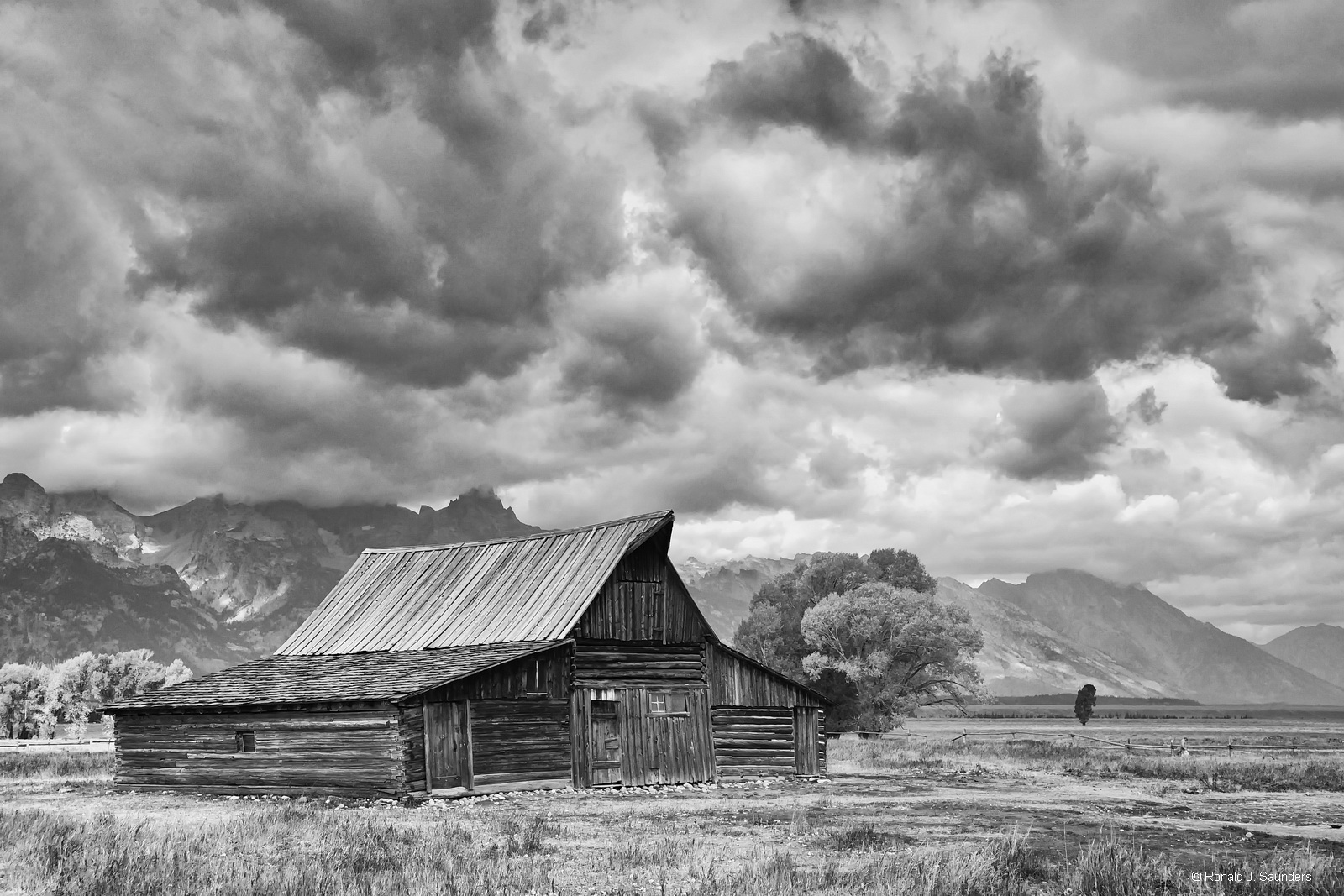 ronald, saunders, teton, national, park, barn, moulten black, white, digital, image, ron, ronald j,wyoming, photo