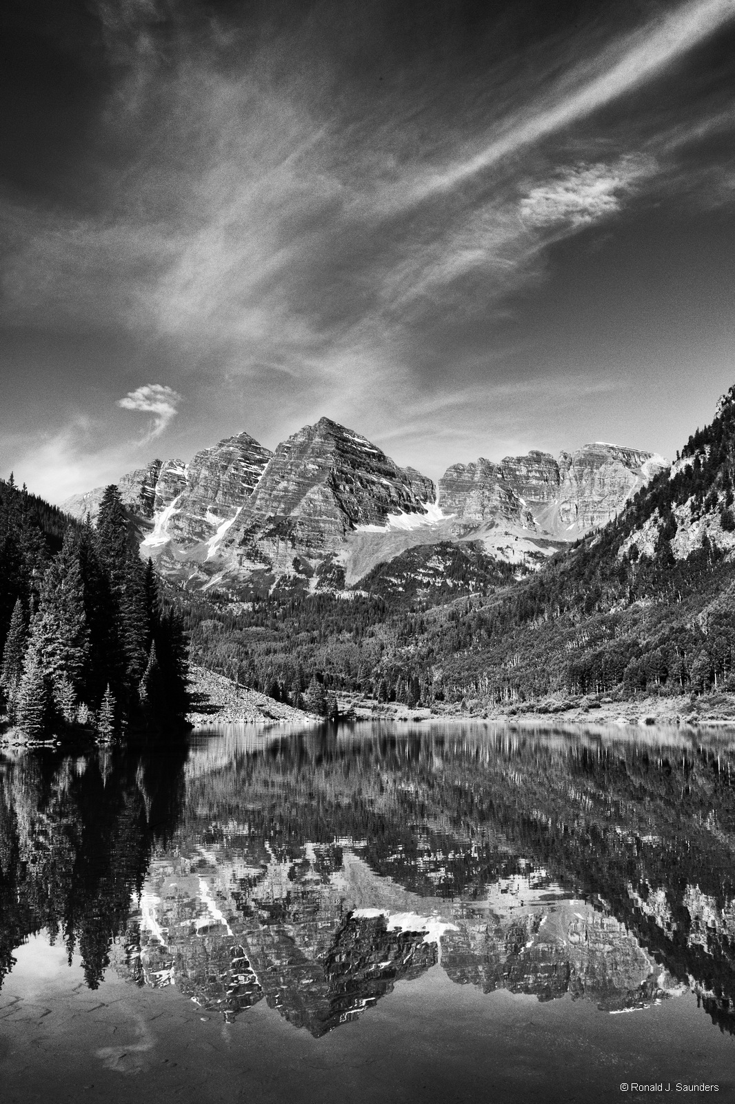 Colorado, mass, wilderness, mountain, range, maroon, bells, black, white, ron, ronald, saunders, snow,  fine art, keeble, shuchat, exhibition, photo
